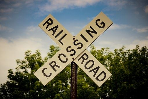 railroad-crossing-176975__340